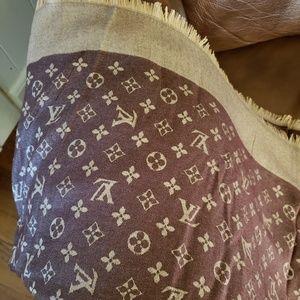 Louis Vuitton scarf/shawl